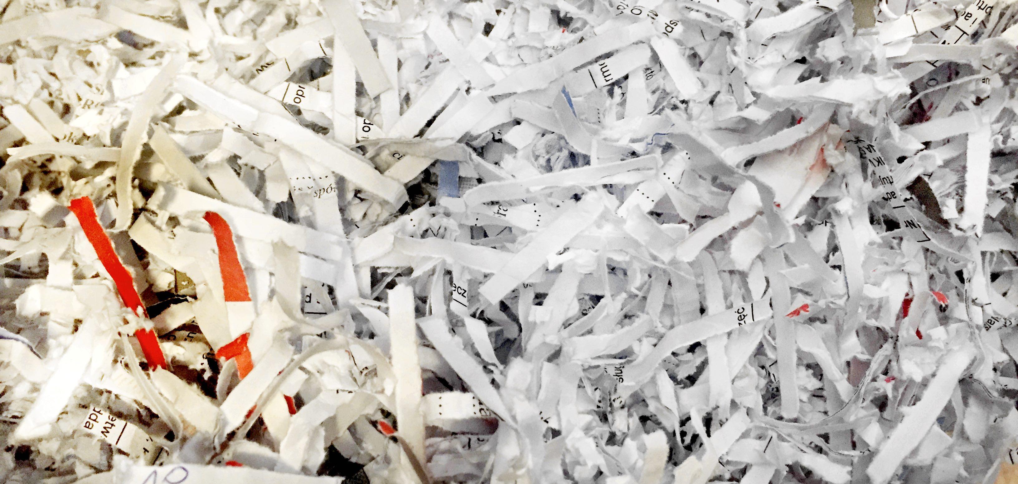 Niszczenie dokumentów, brakowanie dokumentacji, niszczenie nośników